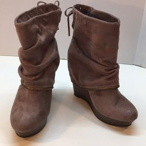 "Not Rated Beige ""Slouch Look"" Wedge Booties Size 7"